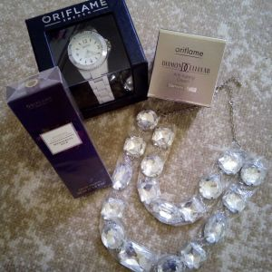 Σετ ημέρας-νύχτας και άρωμα Oriflame με δώρο ρολόι και περιδέραιο
