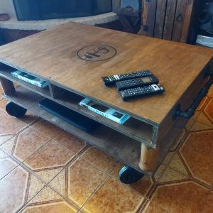 Βιομηχανικό τραπέζι σαλονιού με ροδες