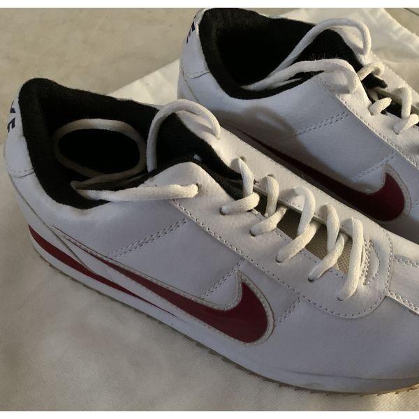 ginekia athlitika Nike