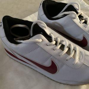 Γυναικεία αθλητικά Nike