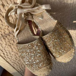 Χρυσά Καινούργια Γυναικεία Παπούτσια Νο 39