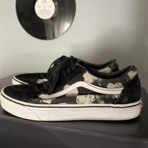 VANS γυναικεία παπούτσια
