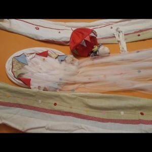Κουρτινες παιδικες σετ με κουνουπιερα και κρεμαστο παιχνιδι κουνιας