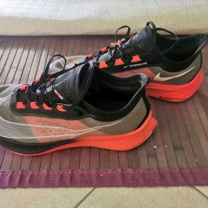 Nike zoom fly 3 NYC Marathon running shoes