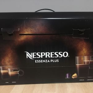 Nespresso μηχανή καφέ καινούρια στο κουτί της μαύρη