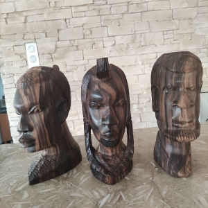 Αφρικανικές σκαλιστές προτομές