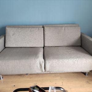 Επώνυμος καναπές διθέσιος που γίνεται κρεββάτι με 5 θέσεις κλίσης Beconcept