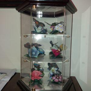 Υπέροχη συλλογή από πορσελάνινα λουλούδια και πεταλούδες (Capo Di Monte)