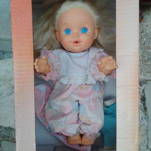 κούκλα με χειροποίητα ρούχα με μήκος 33 εκατοστά