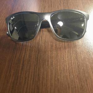Ανδρικά γυαλιά ηλίου Rayban