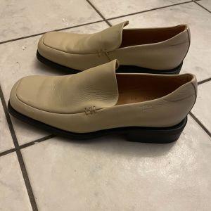 Ανδρικά παπούτσια δερμάτινα BOSS μέγεθος 43