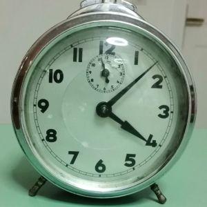 Ρολόι επιτραπέζιο vintage.