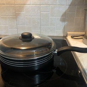 Αντικολλητικό τηγάνι με καπάκι