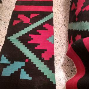 3 διάδρομοι υφαντοι χειροποίητοι, ολόμαλλοι  σε υπέροχα ζωηρά χρώματα αχρησιμοποίητοι.