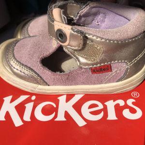 Παπούτσια kickers νούμερο 22 παιδικό