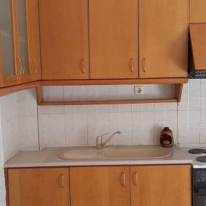 Ντουλάπια κουζίνας σε άριστη κατάσταση πάνω-κάτω