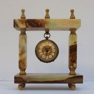 Ρολόι - Ξυπνητηρι μαρμαρινο.