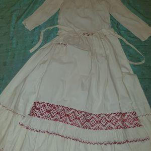 πουκάμισο  φούστα   και  ποδιά εποχής με χειροποίητο  κέντημα αντίκα