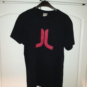 Πωλούνται κοντομάνικα t-shirt Wesc σε άριστη κατάσταση μεγέθους Medium