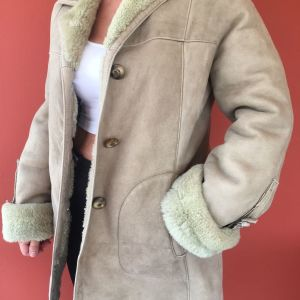 Δερμάτινο ημιπαλτο με εσωτερική γούνα