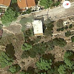 2 οροφων ακινητο 400 μετρα οικοπεδο