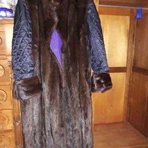 Πωλείται γούνα με καπιτονέ μανίκι double face XL