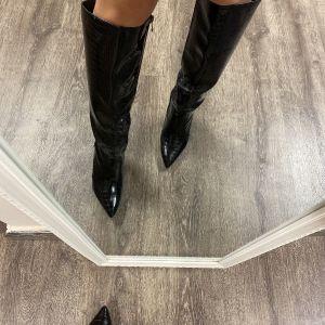 Γυναικείες μπότες μεχρι το γόνατο νούμερο 38