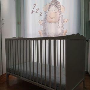 Κρεβατάκι βρεφικο ΙΚΕΑ HENSVIK με στρώμα