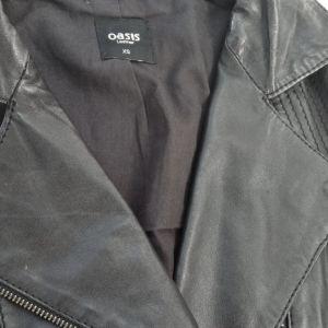 vintage μαύρο δερμάτινο μπουφάν