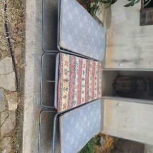 κρεββατια/ραντζο μεταλλικα πτυσσομενα,με τα στρωματα,τεμαχια 3,τιμη για ολα μαζι 70€