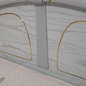 κρεβατοκάμαρα , στρωμα και συρταριέρα λάκα σε πολύ καλή κατάσταση