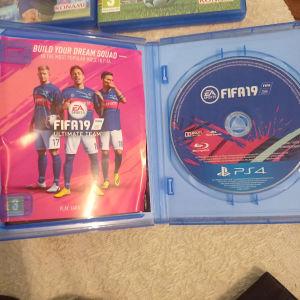 Κασετες FIFA και PES σε εξαιρετικη κατασταση
