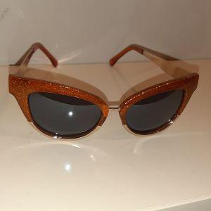 zara γυαλιά ηλιου πεταλούδα