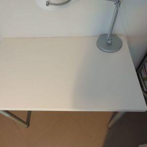 Γραφείο λευκό με μεταλλικά πόδια