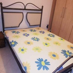 Πωλείται διπλό κρεβάτι με στρωμα