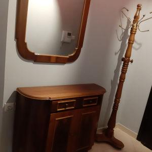 Έπιπλο εισόδου (Παπουτσοθήκη με καθρέφτη και καλόγερο)