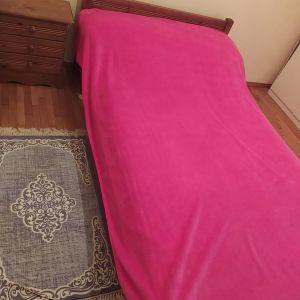 Κρεβάτι ημιδιπλο με ταβλες και κομοδινο