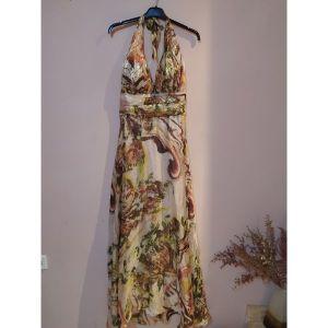 Ολοκαίνουργιο φόρεμα απο χρυσή κλωστή