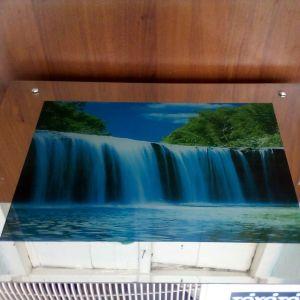 Πίνακας ηλεκτρικος με τρεχούμενο νερό.