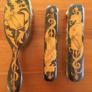Αυθεντικό συλλεκτικό αρ ντεκώ σετ από ξύλινες βούρτσες μαλλιών και βούρτσες ρούχων-παπουτσιών