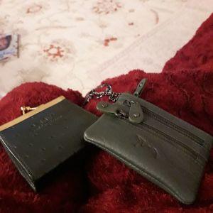 Δερμάτινα μικρά πορτοφόλια
