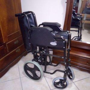 Αμαξίδιο αναπηρικό μεταχειρισμένο αχρησιμοποιητο πωλείται μάρκας mobiak