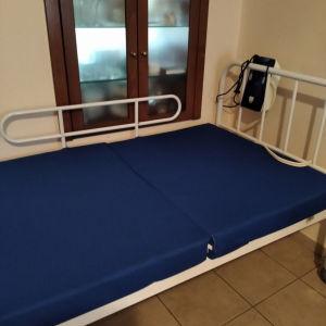 Νοσοκομειακό Κρεβάτι με Στρώμα