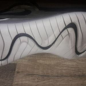 NIKE authentic sneakers ολοκαίνουρια