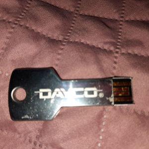 Στικάκι USB DAYCO.