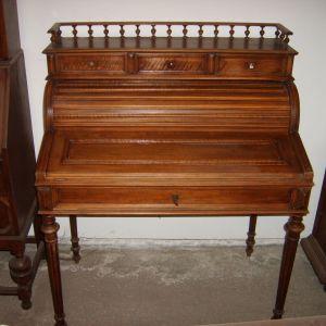"""Σεκρετέρ - Γραφείο, βελγικό, από ξύλο καρυδιάς, τύπου """"roll"""", περίπου 130 ετών."""