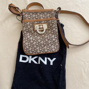 Τσαντακι αυθεντικο DKNY
