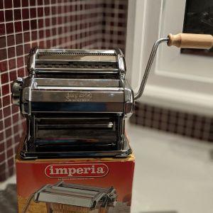 Μηχανή παρασκευής ζυμαρικών IMPERIA