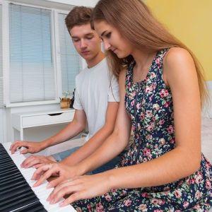 Φωνητικής Τραγουδιού, Κιθάρας, Πιάνου, Αρμονίου μαθήματα