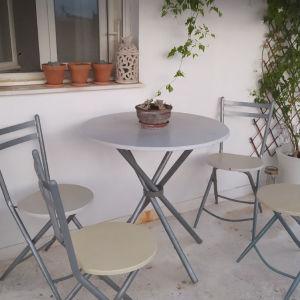 Τραπεζαρία με 4 τέσσερις καρέκλες